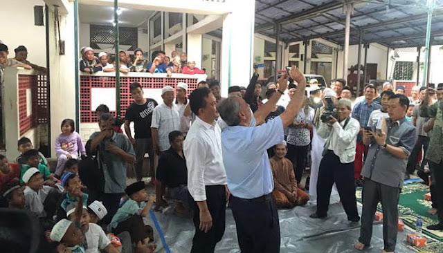 Semua Boleh Datang ke Masjid Luar Batang, Kecuali Ahok