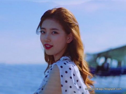 Suzy - Holiday