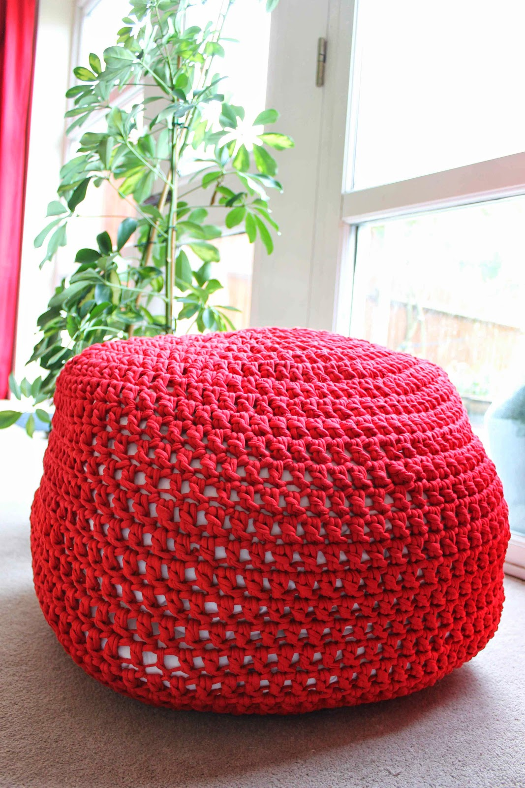 Hooked Zpagetti Red Pouf