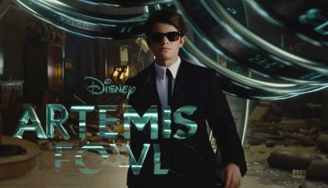 Artemis Fowl : 名探偵のケネス・ブラナー監督を起用したディズニーが、 第2の「ハリー・ポッター」を目指すファンタジー映画の勝負作「アルテミス・ファウル」の悪の黒幕の天才少年 VS. 妖精のバトルをかいま見せた予告編を初公開 ! !
