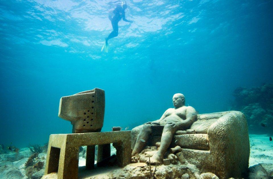Spectacular museum the underwater museum lanzarote spain for Spain underwater museum