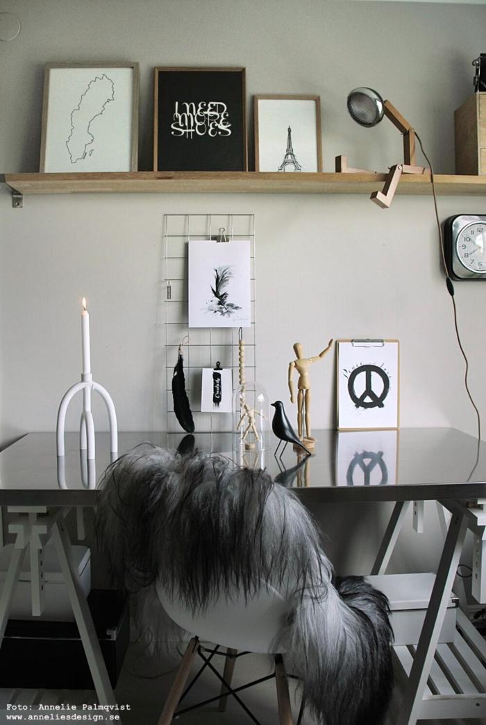annelies design, webbutik, mr wattsson, lampa, arbetsrum, arbetsrummet, bordslampa, lampor, konsttryck, tavla, tavlor, galler, nät, vykort, arcus, fårskinn