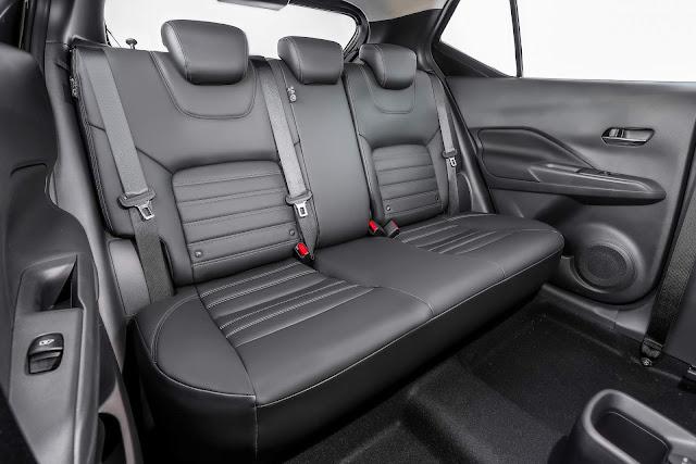 Nissan Kicks SV CVT Automático 2018 - espaço traseiro