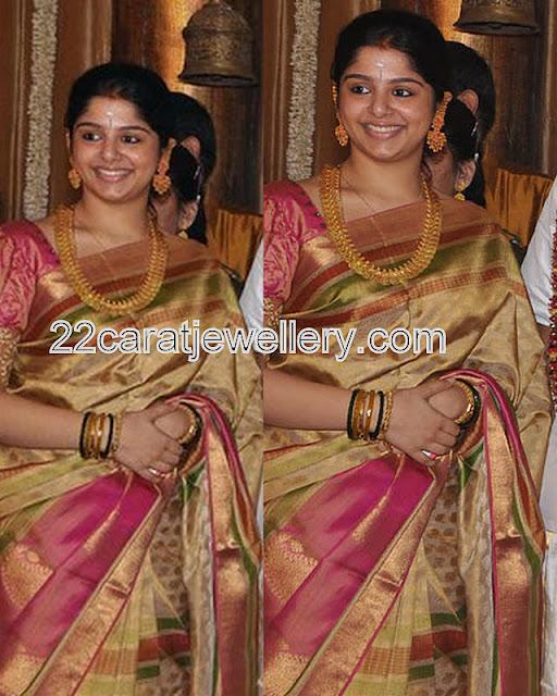 Celebrity In Heavy Kasulaperu Jewellery Designs
