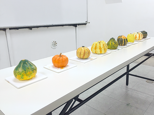横浜美術学院の中学生教室 美術クラブ 紙ねんど立体「ハロウィーンかぼちゃの模刻」12
