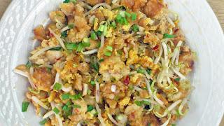 chai tow kway (fried carrot cake)