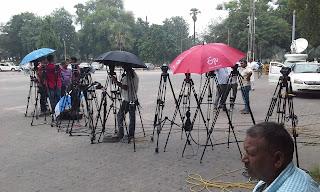 media-prepration-for-tejaswi-arrest