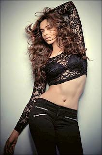Bollywod actress Deepika Padukone navel