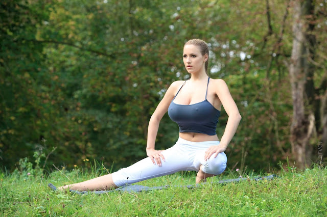Jordan-Carver-Yoga-Hot-Sexy-HD-Photoshoot-Image-12