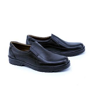 Sepatu kerja pria,sepatu pantofel murah,grosir sepatu kerja cibaduyut,sepatu kerja handmade,sepatu kerja lapangan kulit asli