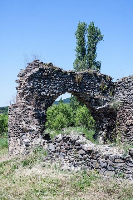 Töttöskáli templomrom a Balaton-felvidéken