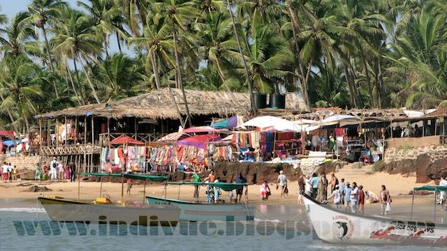 The Anjuna Flea Market Beach, Goa, Intia