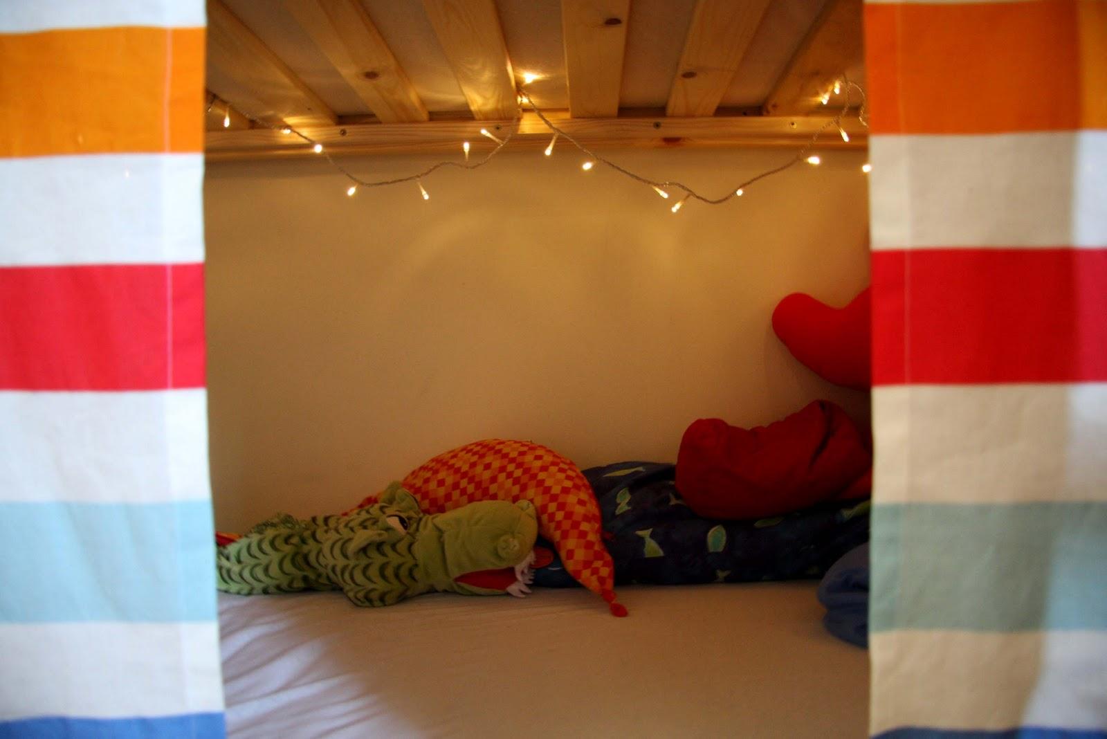 katies n hk rbchen ein h hlen vorhang f rs hochbett. Black Bedroom Furniture Sets. Home Design Ideas