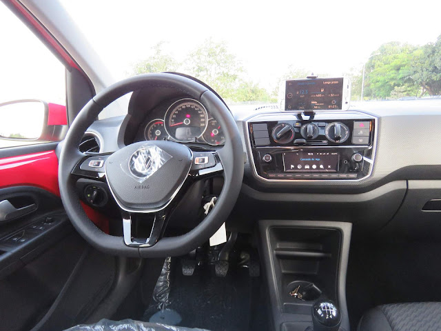 Novo Volkswagen Up! 2018 - interior