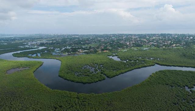 KDC'deki salgın, Ebola Nehri yakınında bir köyde meydana geldiği için hastalığa bu nehrin ismi verildi.