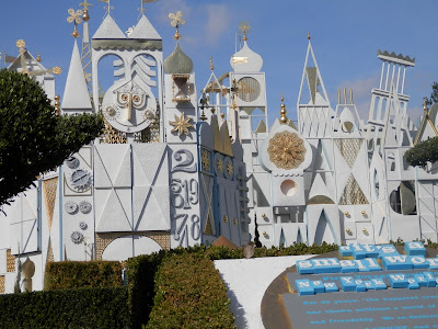 parc Disneyland Anaheim attraction It's a small world