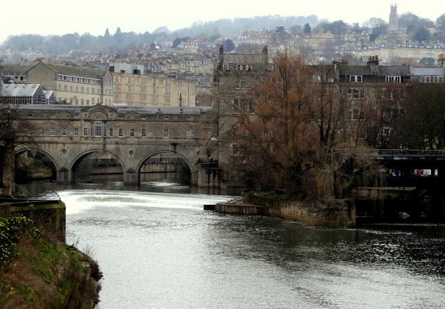 Bath, England: Pulteney Bridge and the Riverside Cafe