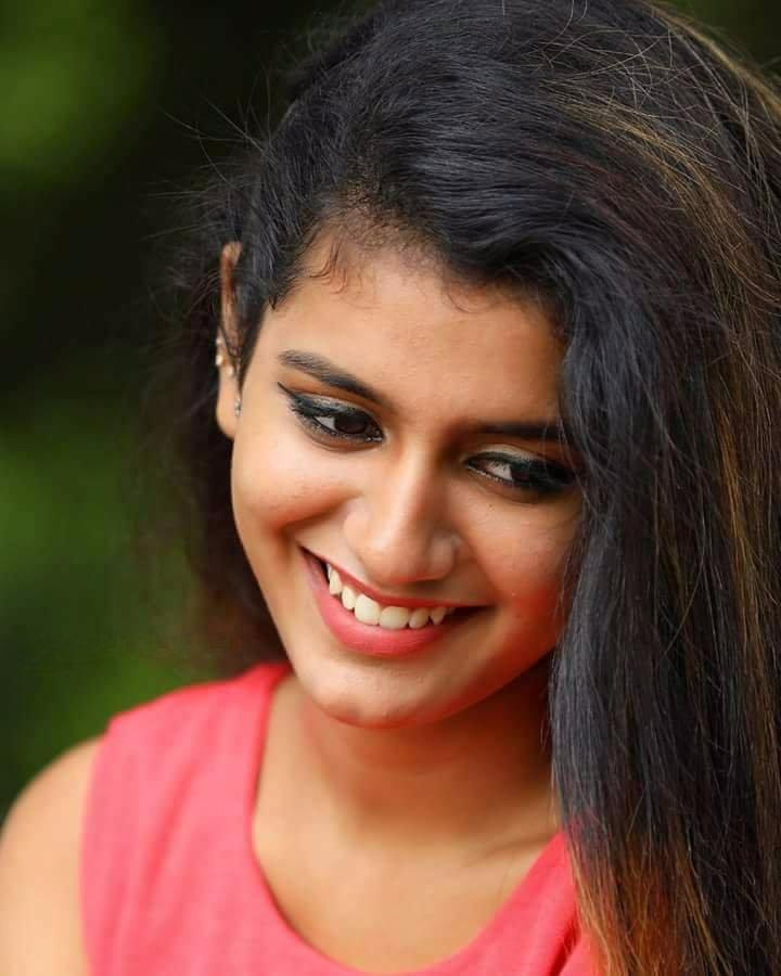 Bollywood Actress Hot Photos And HD Wallpapers 2018