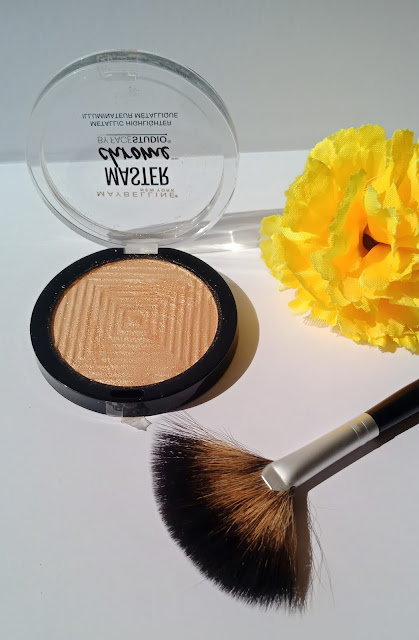 Maybelline Face Studio Master Chrome Highlighter in MOLTEN GOLD : Perfect Highlighter For Indian Skin