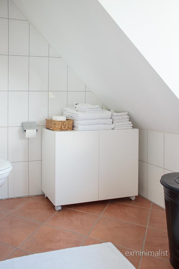 Millaisia säilytysratkaisuja teidän kylpyhuoneistanne löytyy  Kuulutteko te  minun laillani peilikaapin puolestapuhujiin  c9a37c490b