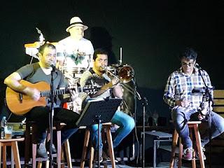 Animação e grande público marcaram a noite do boteco de Jacupiranga
