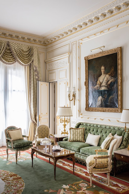 Grand Luxury Hotels - The Ritz Paris Hotel on Place Vendôme, Paris