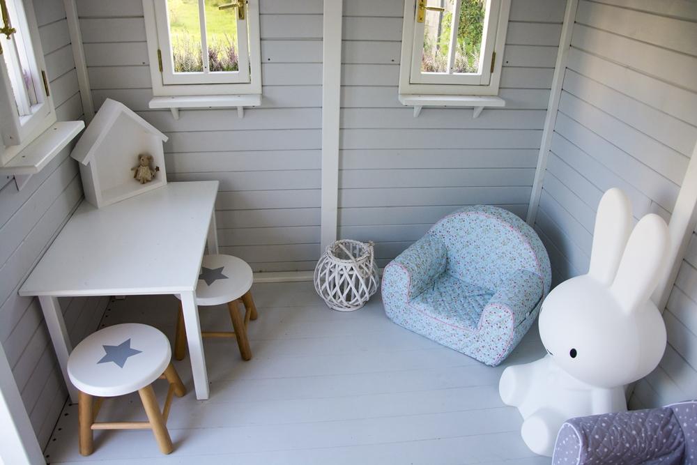 biały domek dla dzieci