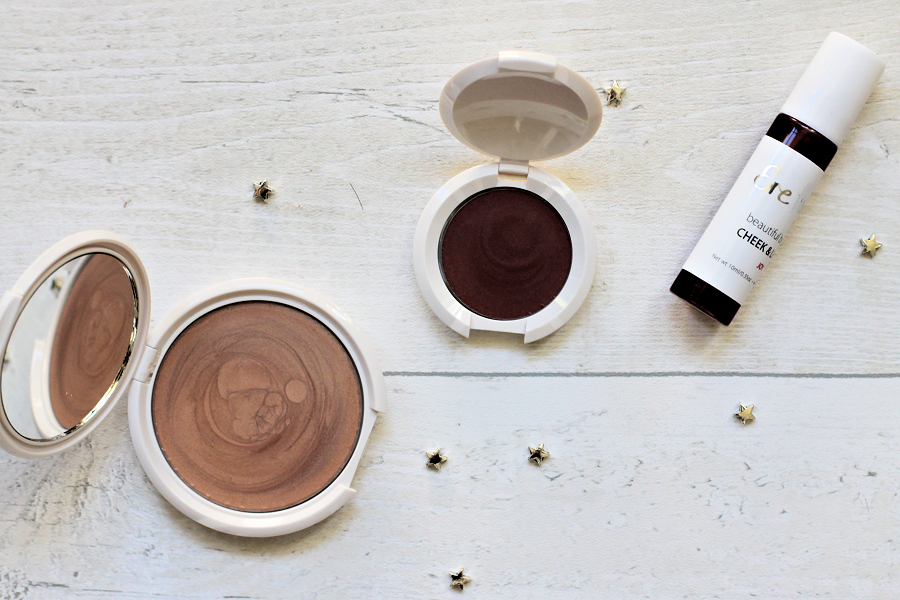 Versatile Vanilla highlighter in the shade Falling Star, the Clever Carrot Lip & Cheek Balm in the shade Holy, and the Beautiful Beetroot Lip & Cheek Tint in the shade Joy