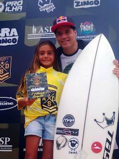 Atleta da Escola Municipal de Surf da Ilha ,  Nathália Gerena, brilhou em SC