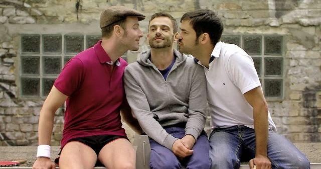 Men to kiss, 2