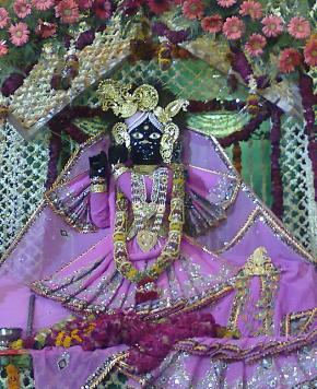श्री कृष्ण की त्रिभंगा मूर्ति
