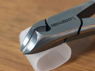 Neolight ニッパー型爪切り 爪やすり、ゾンデ付き