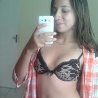 Novinha sapeca mandou nudes para os grupo do whatsap peladinha em frente do espelho