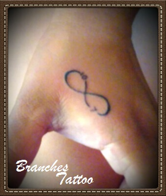 Branches Tattoo Tatuajes Iniciales Personales