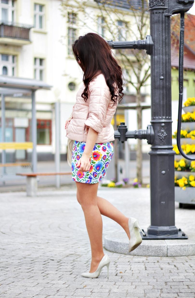 fashion, moda folkowa, słowianka, folk, monnari, kolorowy sklep, pabia, pantofelek24, czółenka, wężowe, pikowana kurtka, pastelowa, goodlookin, sukienka, wiosna 2016, złota,