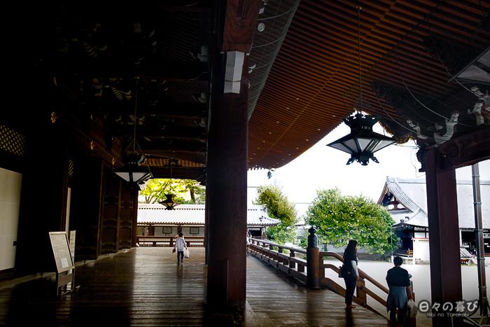 hall principal, couloir extérieur, Higashi Hongan-ji, Kyoto.