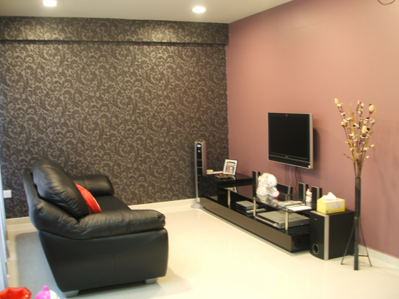 Cool Light Red Mixed Brown Patterned Wall Paint Small Living Room Colors With Cozy Leather Black Sectional Sofa And Nice Tv Unit Complete