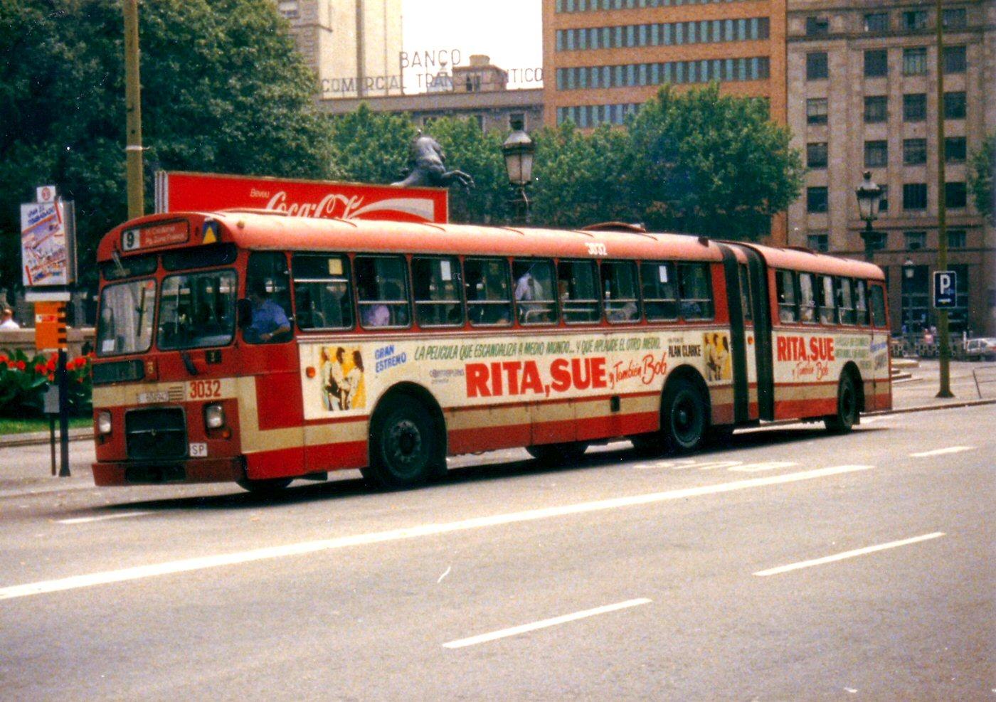 El tranv a 48 50 a os 3 de autobuses articulados en for Linea barcelona