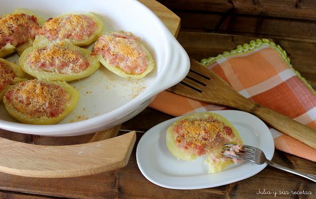Patatas gratinadas rellenas de jamón cocido y queso. Julia y sus recetas