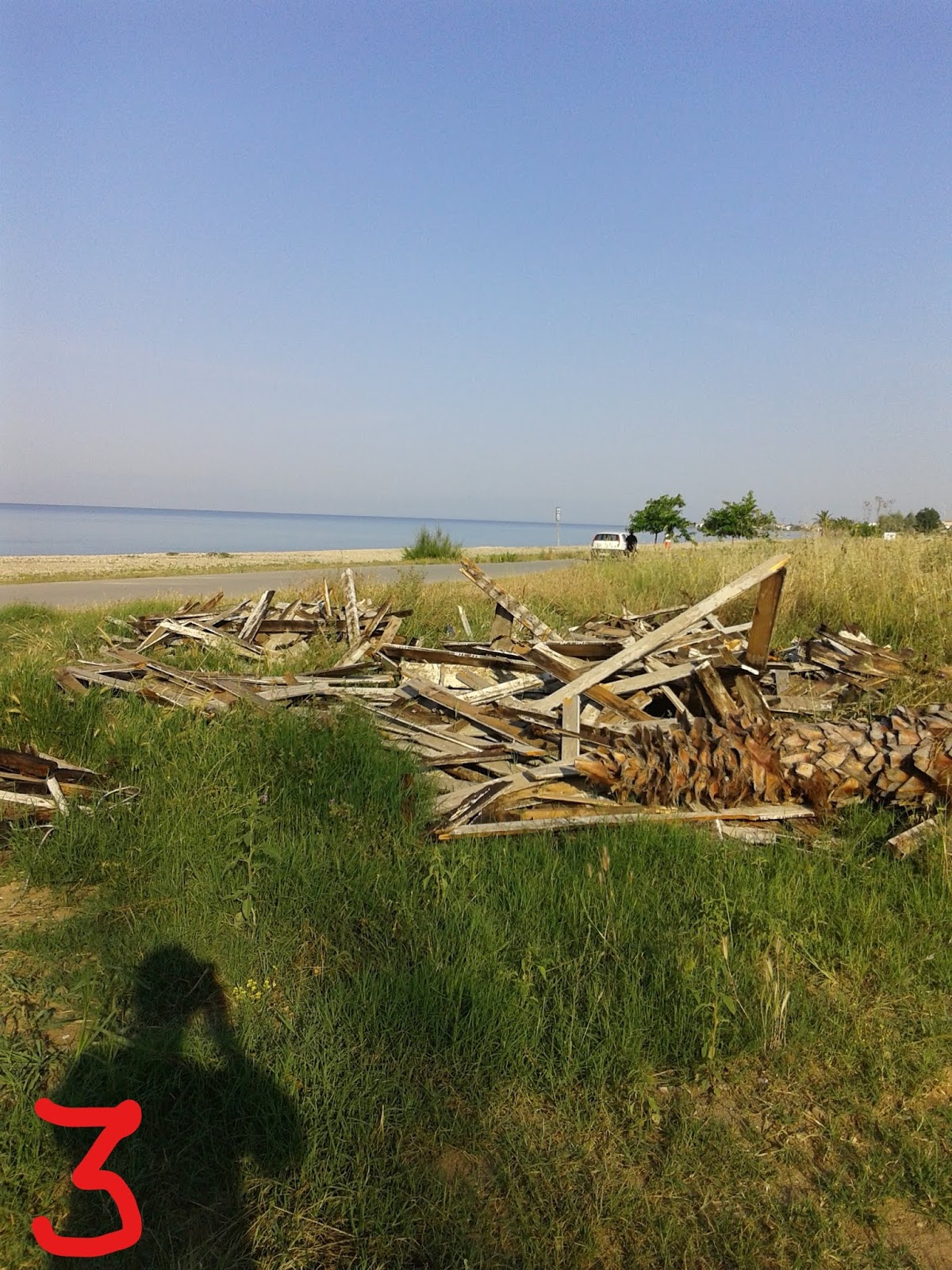 Ρύπανση παραλίας με μπάζα στο Δήμο Νέας Προποντίδας