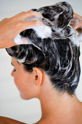 HOT TIPS TO GET RID OF SMELLY SCALP