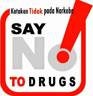 Tips Paling Ampuh Agar Terhindar Dari Pengaruh Narkoba Tips Paling Ampuh Agar Terhindar Dari Pengaruh Narkoba    Topik Referensi - Saat ini marak sekali terjadi penyalahgunaan narkoba seperti ganja, heroin, sabu-sabu, ekstasi dan sebagainya. Seringkali penggunaan narkoba berawal dari coba-coba dikalangan masyarakat, Terutama remaja. Masa depan bangsa ini bergantung sepenuhnya pada upaya pembebasan kaum muda dari bahaya narkoba.    Sebenarnya, tingkat pengetahuan masyarakat tentang bahaya narkoba sudah cukup baik, Hanya saja pemahaman tentang bagaimana upaya pencegahan narkoba masih tergolong sangat rendah. Bagi anda yang tidak ingin berakhir di pusat rehabilitasi atau didalam sel penjara.    Baca Juga : Orangtua Harus Tau! Ini Penyebab Anak Remaja Memiliki Sifat Tempramental   Ada Baiknya Anda Mengetahui hal-hal di bawah ini :    Tips Paling Ampuh Agar Terhindar Dari Pengaruh Narkoba   1.Menanamkan Dan Memahami Nilai-Nilai Agama   Menanamkan dan memahami nilai-nilai agama saat ini merupakan hal yang sangat penting untuk kita. Karena ajaran agama apapun itu, Akan mencakup semua nilai moral dan etika dalam kehidupan.    Dengan memahami ajaran agama dimulai dari saat ini, Kita akan terhindar dan mempunyai penolakan terhadap derasnya arus modernisasi yang berpengaruh negatif, Seperti narkoba, obat-obatan terlarang maupun minuman keras.      2.Ketahui Dampak Buruk Narkoba   Dampak buruk narkoba tidak hanya dirasakan secara fisik melainkan juga psikis. Sebagai contoh, Seseorang yang ketahuan sebagai pengguna narkoba, akan menjadi perbincangan di masyarakat dan sering kali dikucilkan.    Dampak buruk narkoba pada kesehatan dapat menyebabkan gangguan pada jantung, otak, hemoprosik, traktur urinarius, infeksi paru-paru, sistem saraf, tulang, endorin, pembuluh darah, penyakit kulit, serta beresiko terinfeksi penyakit TBC, hepatitis, herpes dan HIV/AIDS.      3.Selektif Dalam Pertemanan   Batasi Pergaulan dengan teman yang berprilaku negatif. Karena kedepannya itu akan memuncu