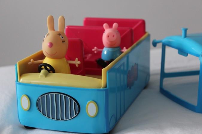 autobus-escolar-peppa-pig-bandai