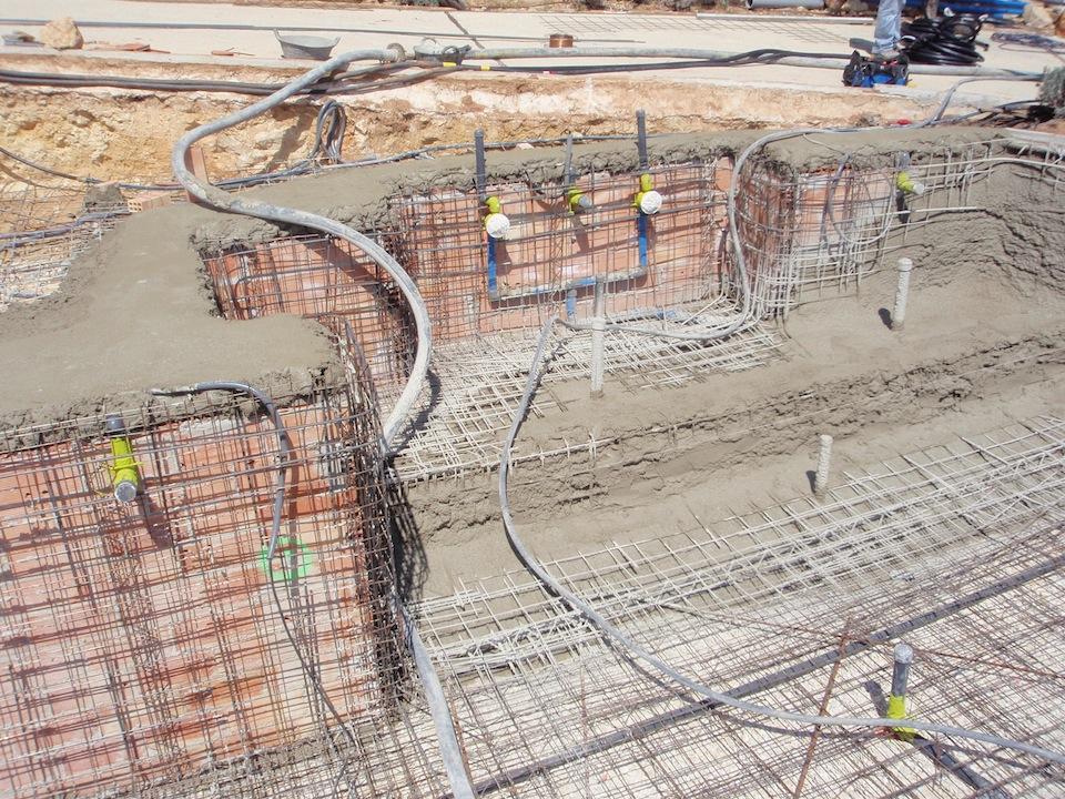 Fases de construcci n de una piscina que realizamos for Construccion de piscinas de concreto