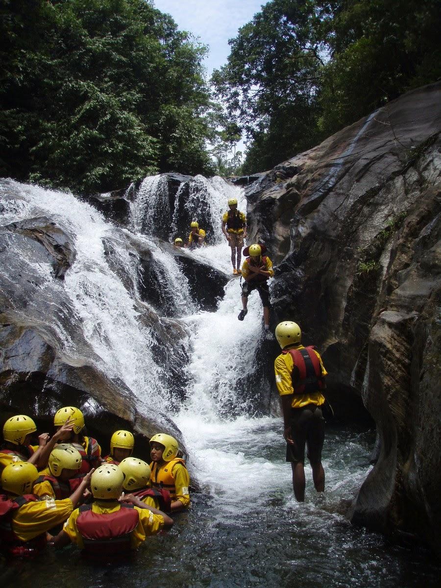10 Best Adventure Holiday Destinations | Rafting and Canyoning Kitulgala Sri Lanka