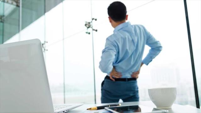 Cinco trucos para adelgazar y reducir dolor de espalda en el trabajo