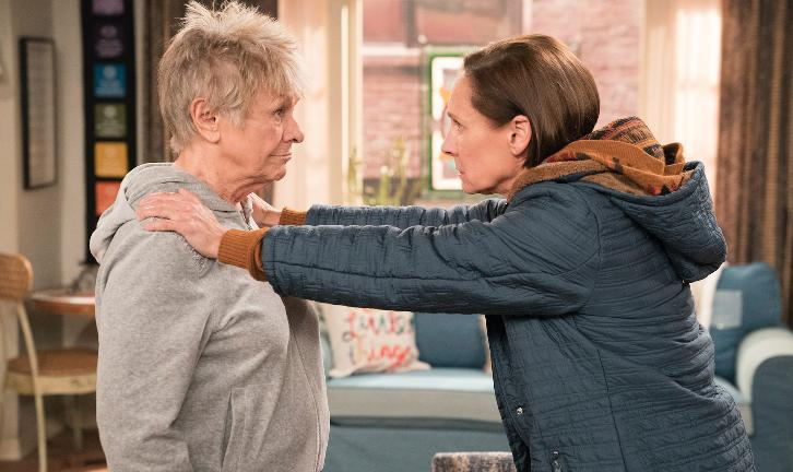 Roseanne - Episode 10.06 - No Country for Old Women - Promotional Photos + Press Release