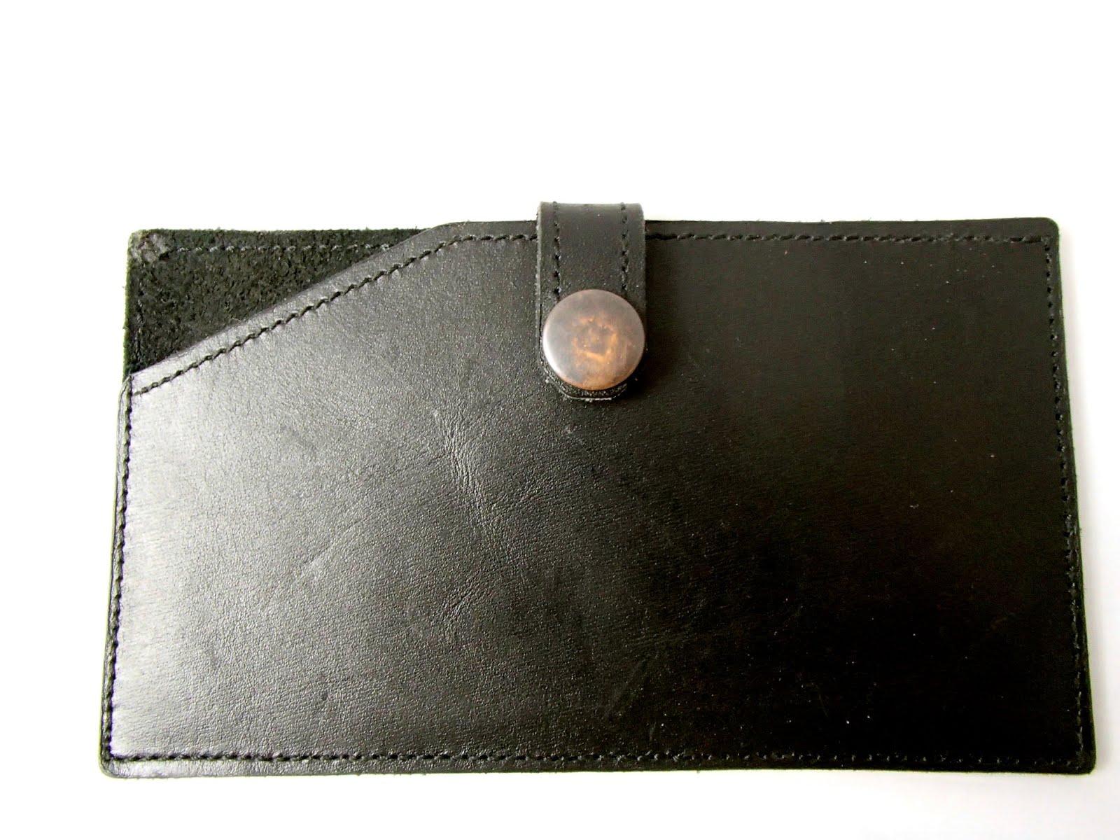 92c5aa47325 Petite maroquinerie et bijoux artisanaux en cuir unique et fait main ...