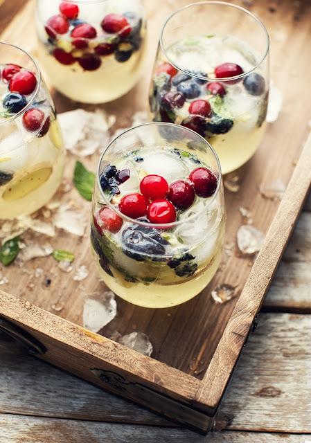 boisson diy rafraichissante pour l'été  fruits rouges