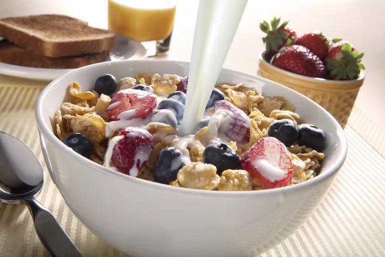 Tips Memilih Sarapan Sereal yang Sehat dan Mengenyangkan